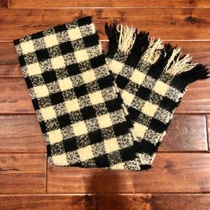 Black and beige checkered scarf